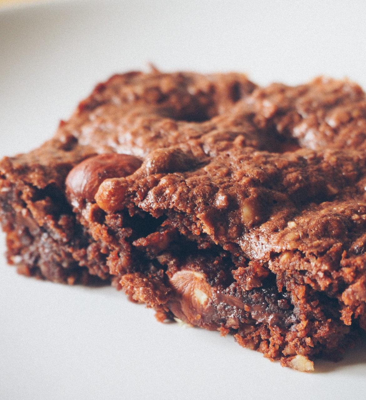 Brownie vegan au beurre de cacahuètes